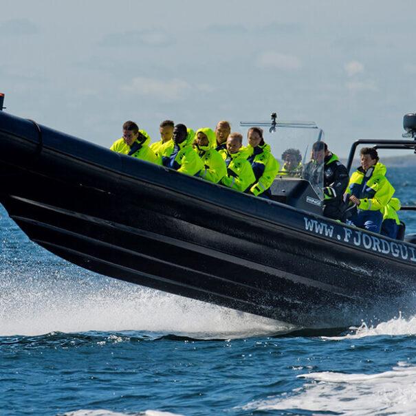 Ribbåt är en kul och fartfylld aktivitet för företagsgrupper