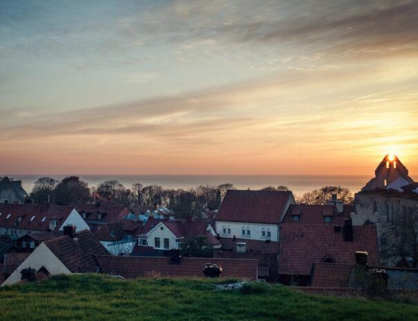 Vackra Visby i solnedgången