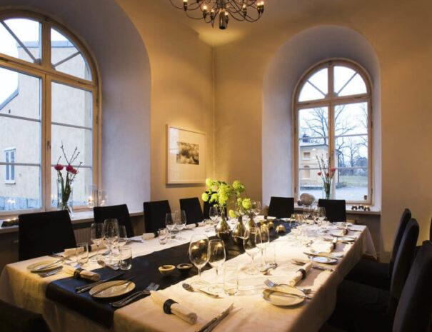 Dukat för middag på Ulfsunda slott