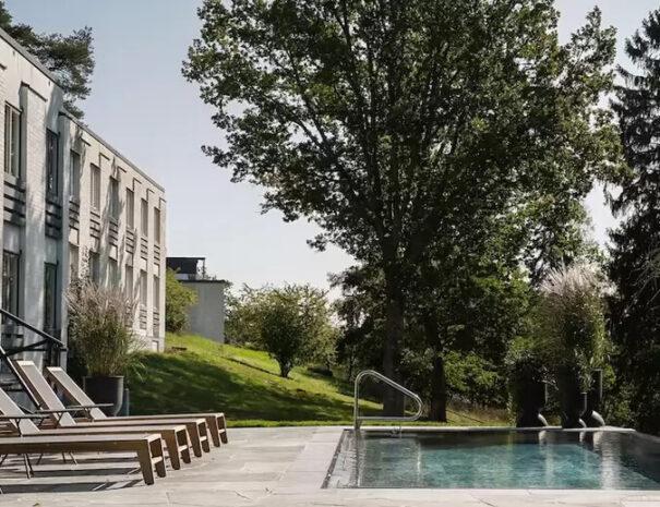 Pool vid Villa Lovik